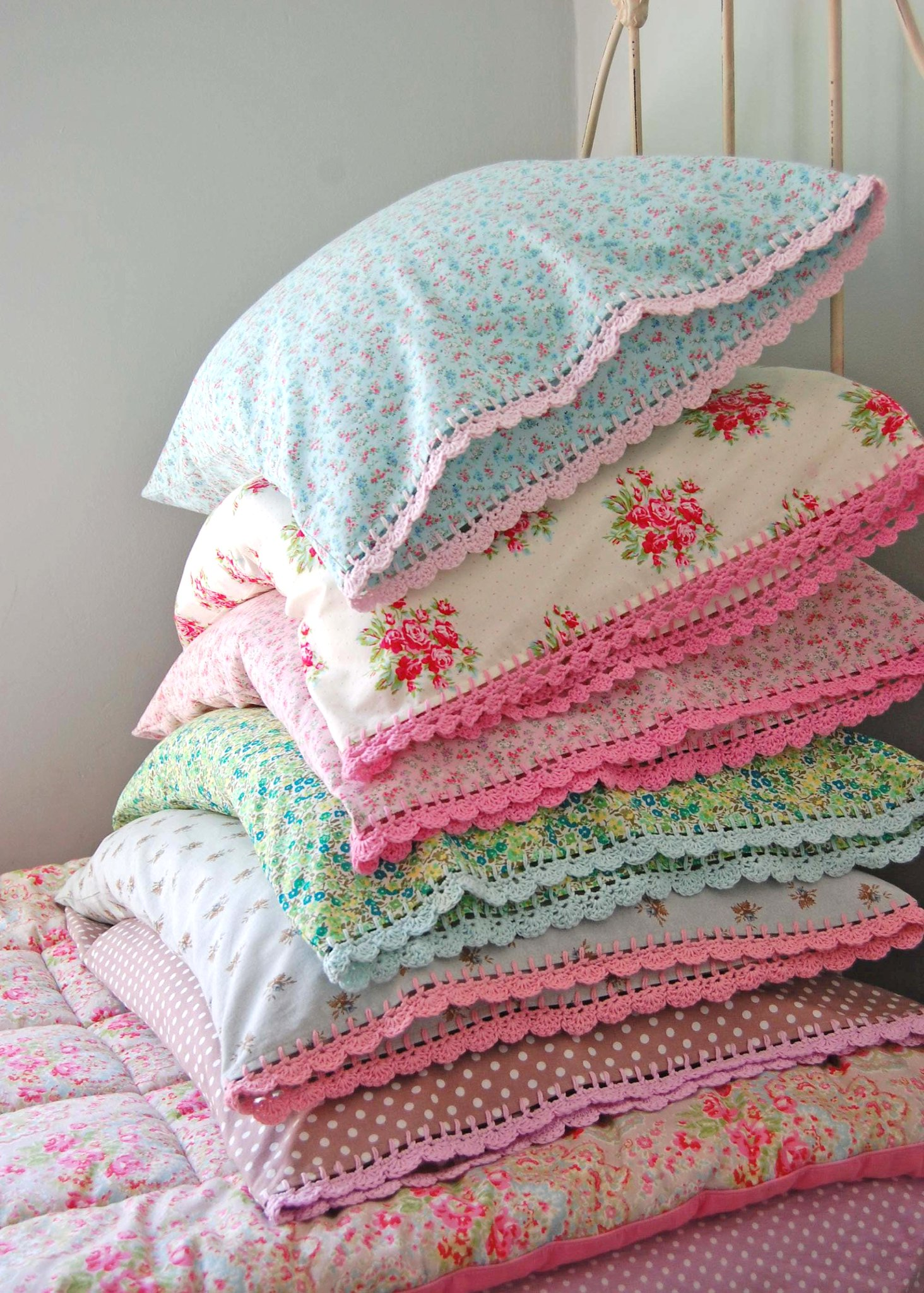 pile of colorful bedding