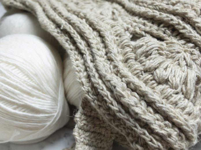Front post single crochet