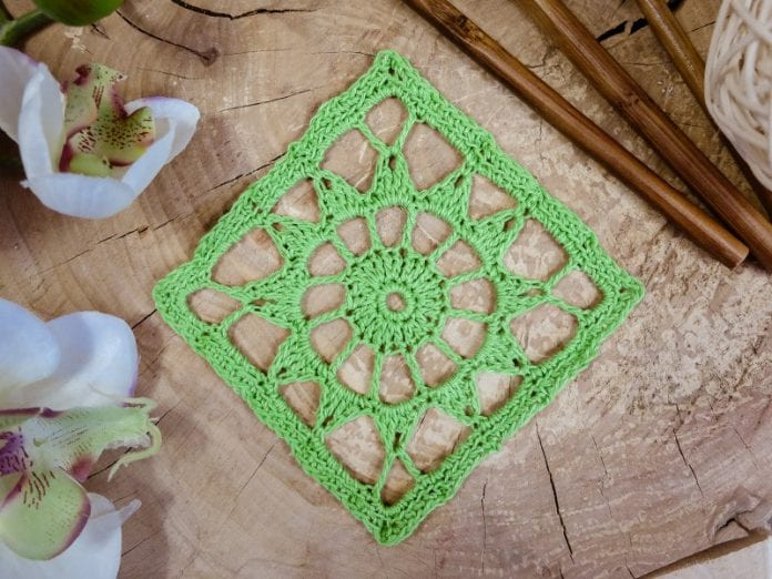 Stiffening in crochet