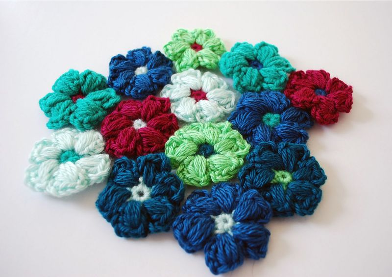 Puff Stitch Flower by B.hooked Crochet