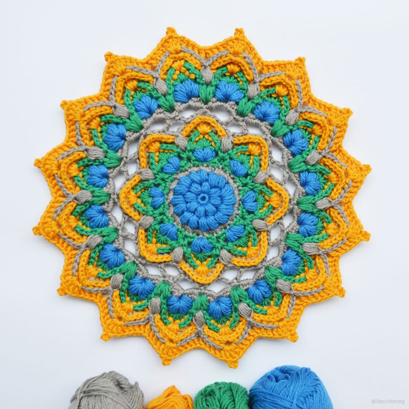 Puffy Mandala by Inas Fadil Basymeleh, this version by litevirkning