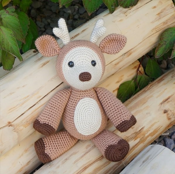 Dash the Deer Free Crochet Pattern