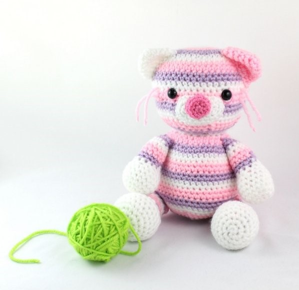 Squishy the Cat Amigurumi Free Crochet Pattern