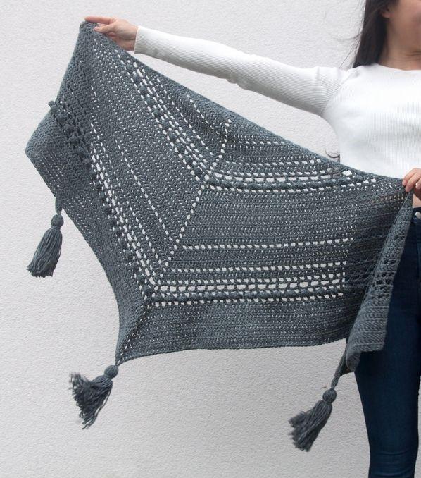 Stormborn Wrap Free Crochet Pattern