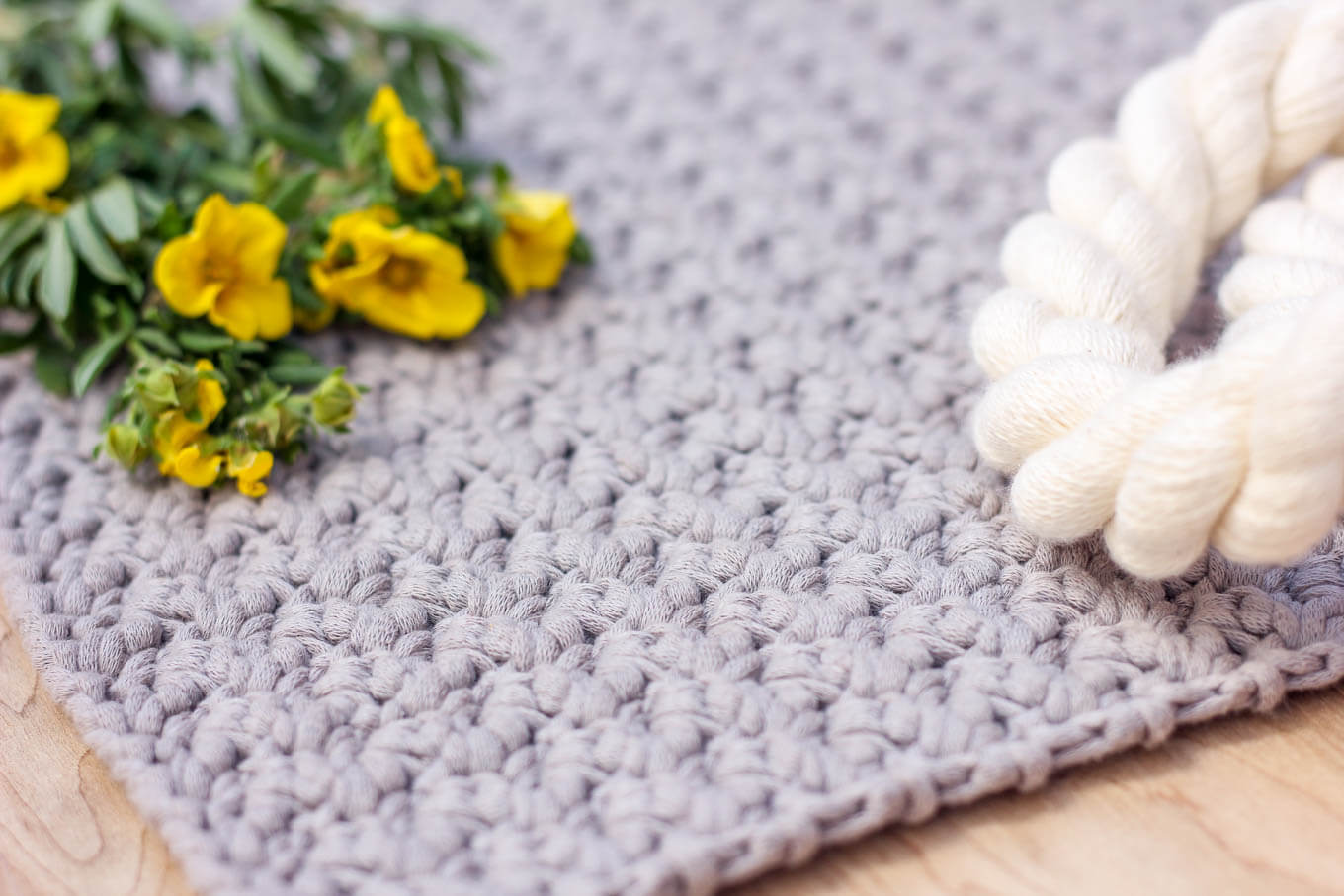 crochet bag pattern by make and do crew